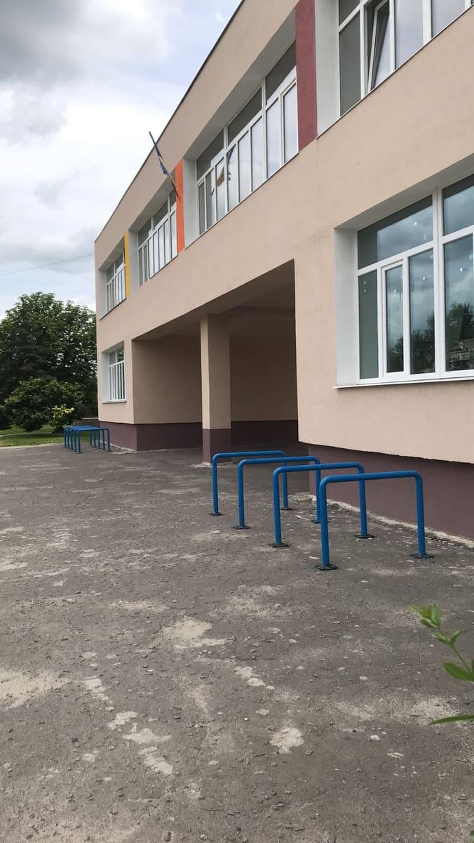 Велопарковки ЗОШ №9.jpg